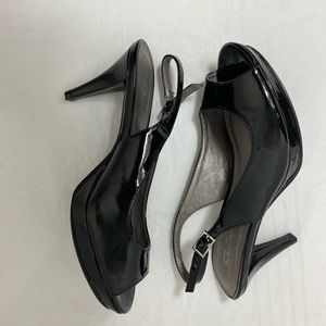 CL by Laundry Patent Leather Sling Back 7 1/2